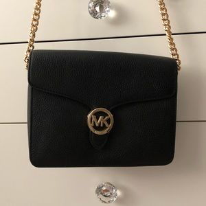 Michael Kors Vanna Medium crossbody purse